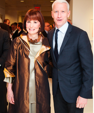 Gloria Vanderbilt and her son, Anderson Cooper, at the opening of her exhibit