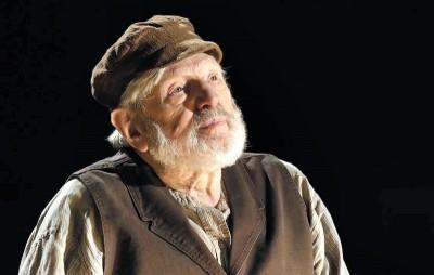 New York Luminaries Gather to Celebrate Beloved Theodore Bikel
