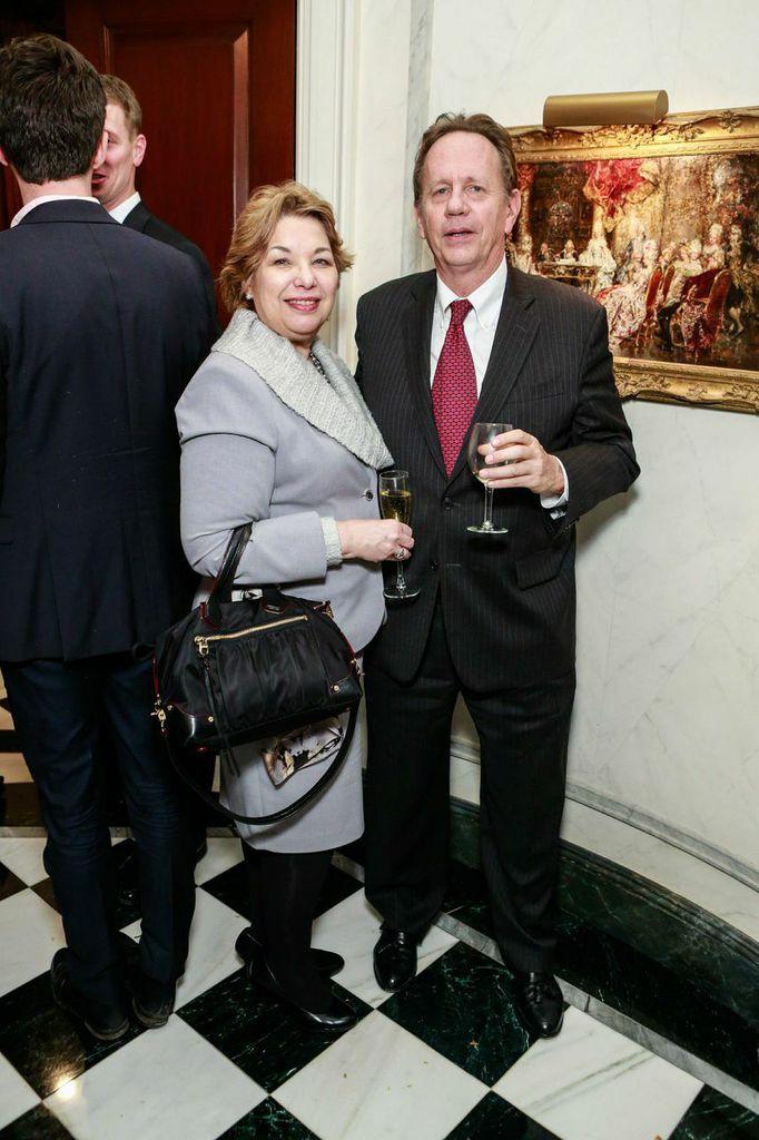 Yolanda Santiago, Hollis Russel
