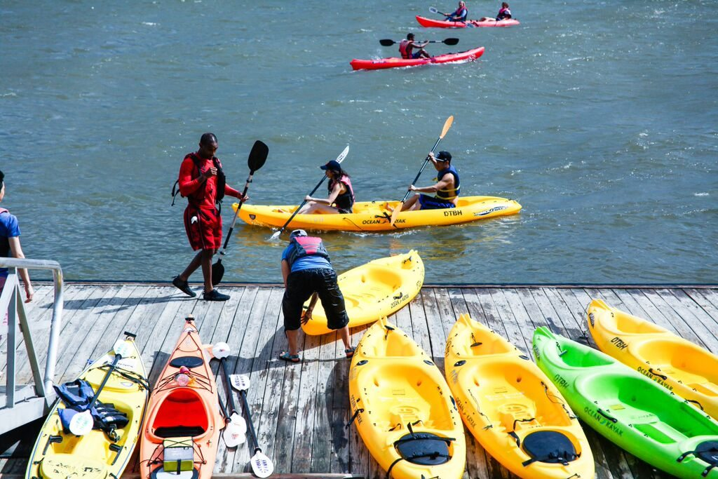 A team trains for Kayaking at Hudson River Park. Photo courtesy of  Ted Gorodetzky.