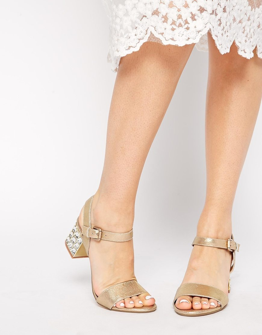 Downtown Recommends: The Top 5 Most Chic and Champagne Inspired Summer Sandals