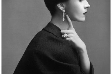 Wearing Cristóbal Balenciaga, photographed by Richard Avedon.