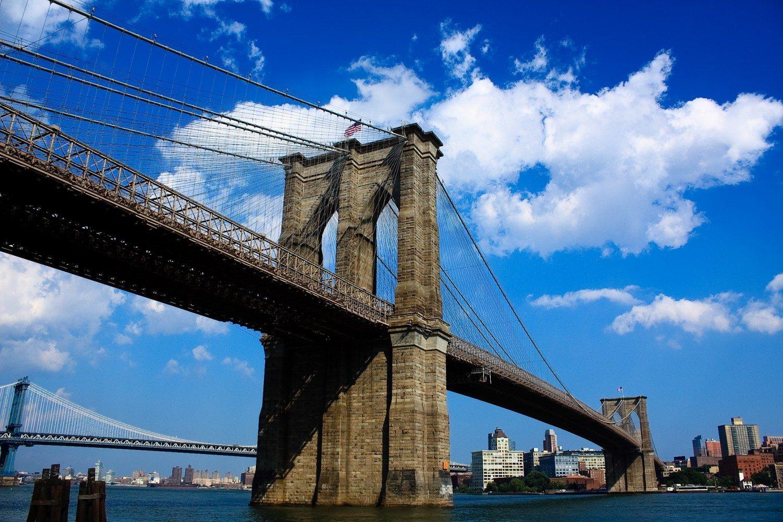 Brooklyn_Bridge_Manhattan