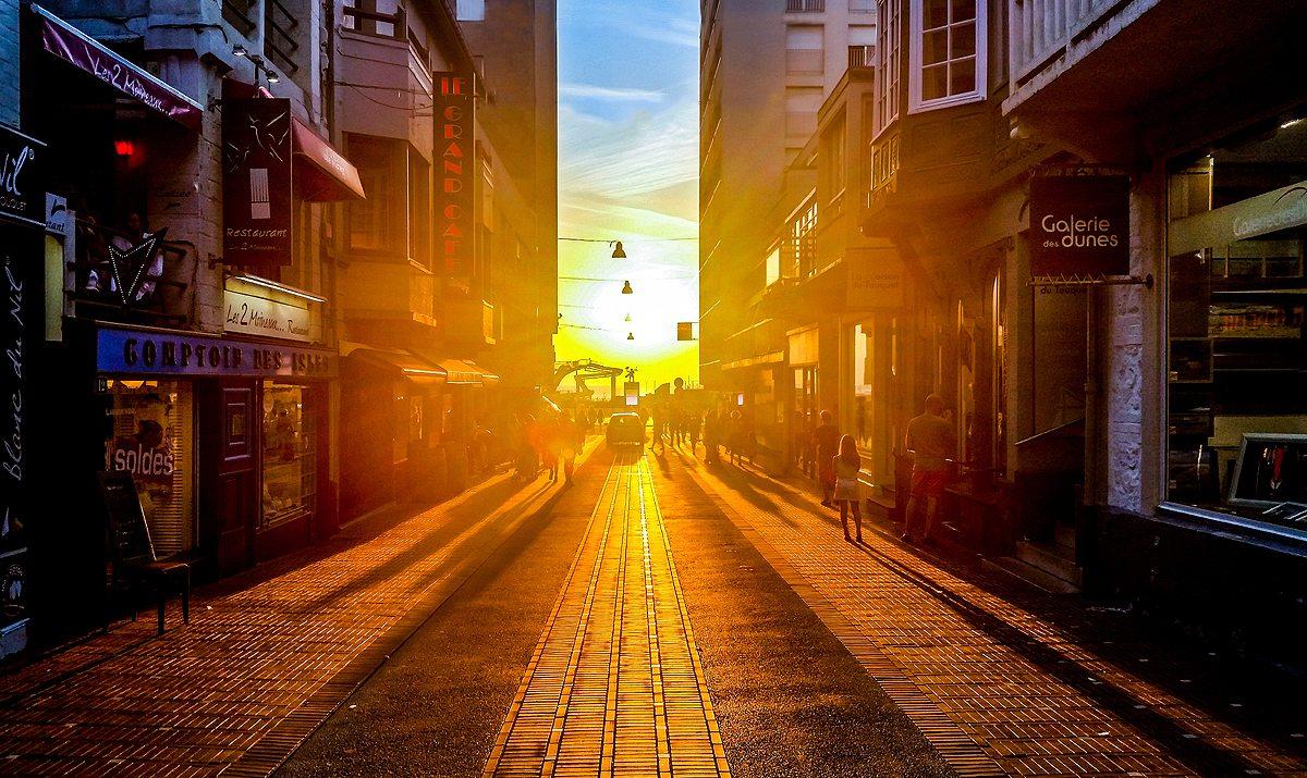 city-people-street-sun