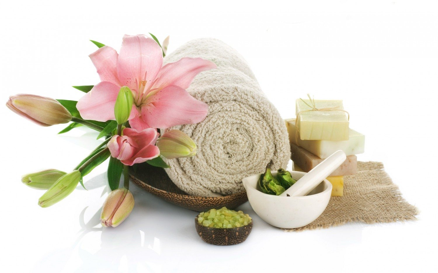 FreeGreatPicture.com-3646-features-hd-spa