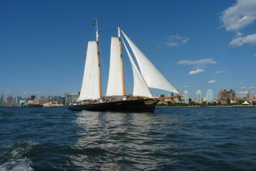Classic-harbor-line-sail-8