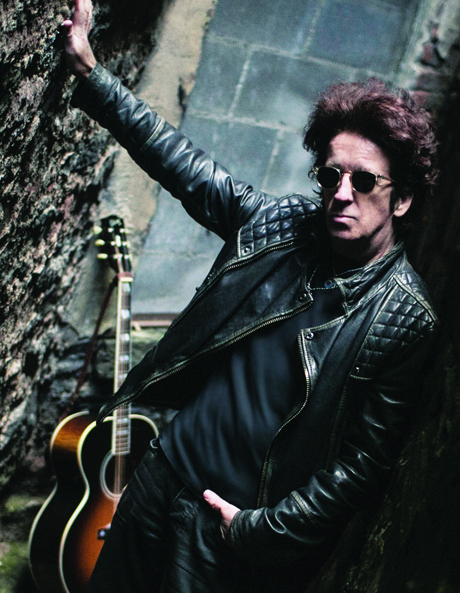 """VIDEO PREMIERE: Willie Nile premieres new music video """"Hell Yeah"""" via Downtown, to play Brooklyn Bowl on Jul. 14"""