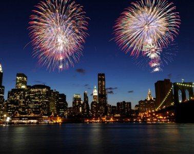 fireworks-in-new-york-city_buag8l