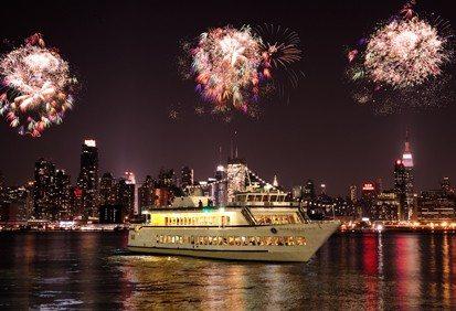 world-yacht-july-4th-cruise