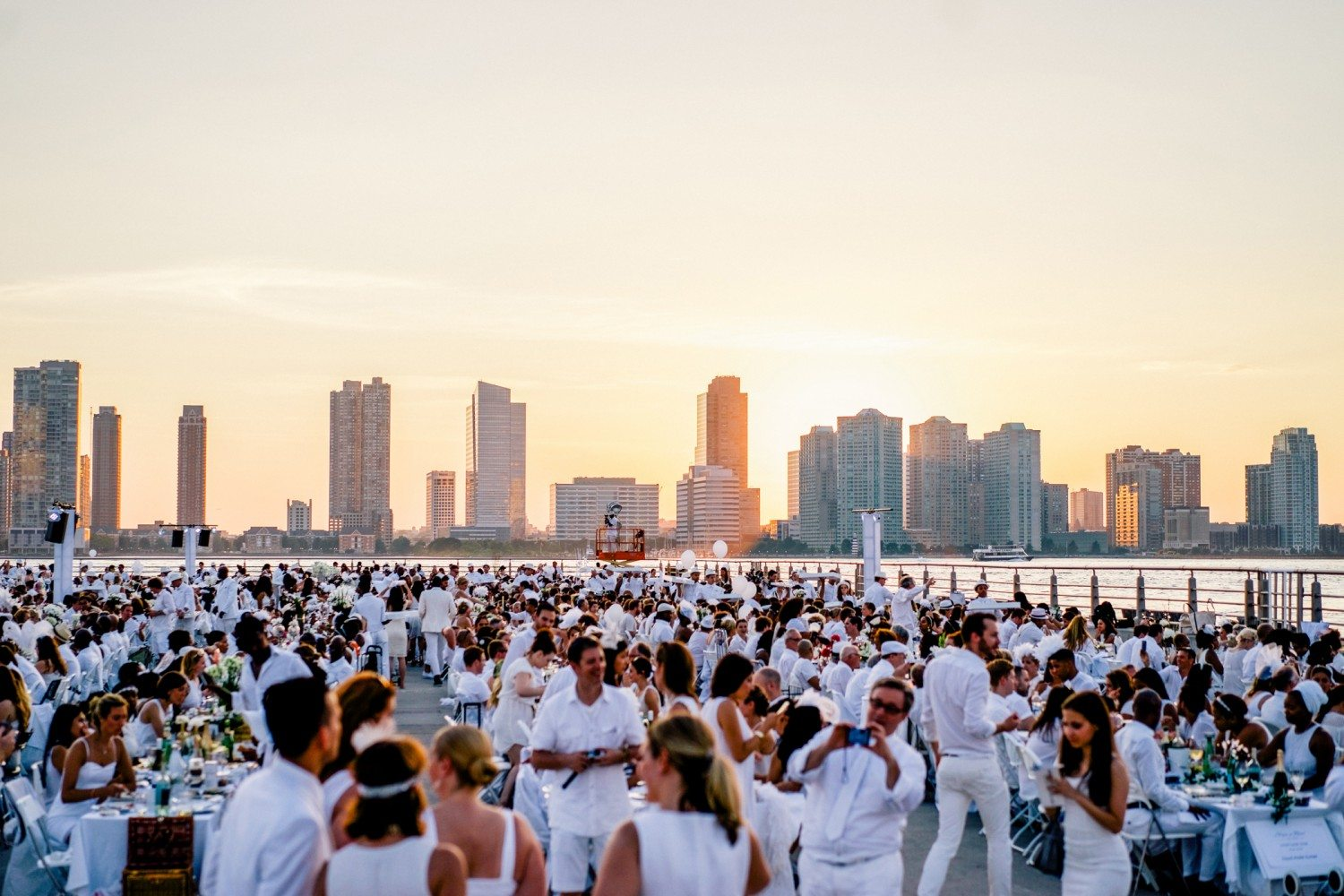 Diner en Blanc 2015 New York / Photo: Joe Cavallini