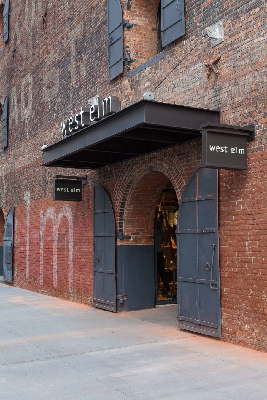 west elm relocates its headquarters opens its 100th retail store downtown magazine. Black Bedroom Furniture Sets. Home Design Ideas