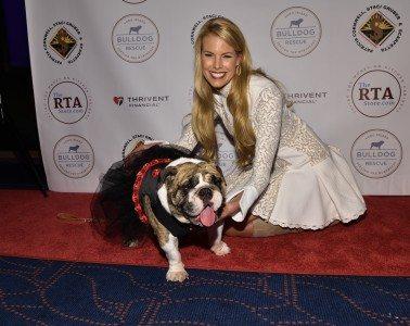 Beth Stern & friend / Photo: Rob Rich/SocietyAllure.com