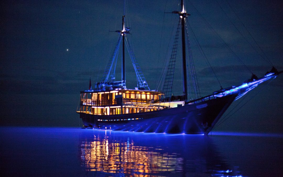 An Exotic Sailing Adventure is the Perfect Gift