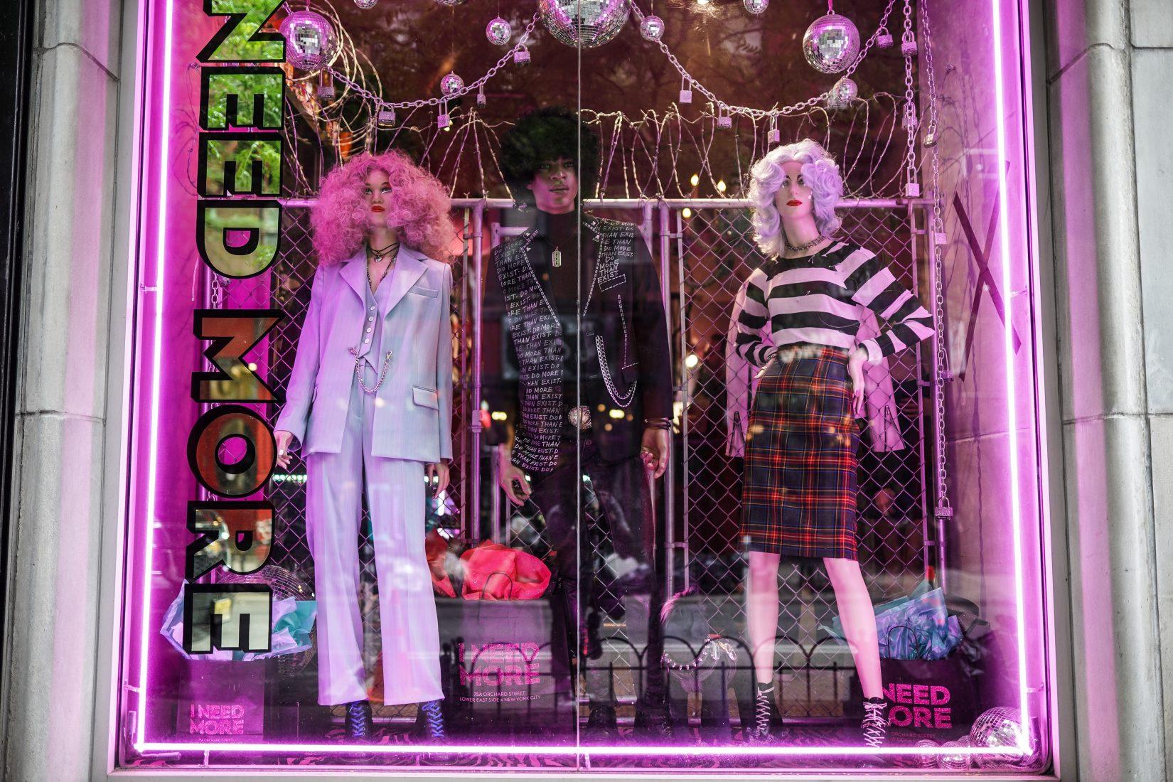 Mae McKagan x I NEED MORE Fashion Debut