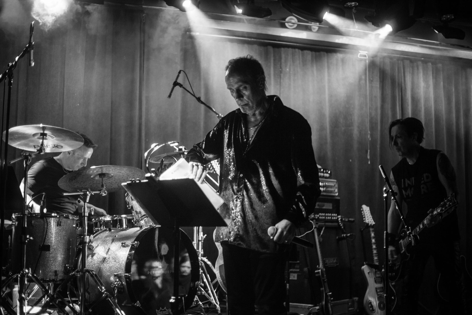 The Lion In Winter: Peter Murphy Returns To Le Poisson Rouge