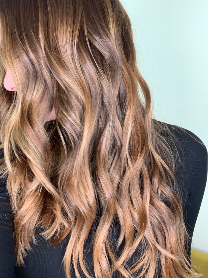 Choosing the Right Color Service For Your Hair This Winter