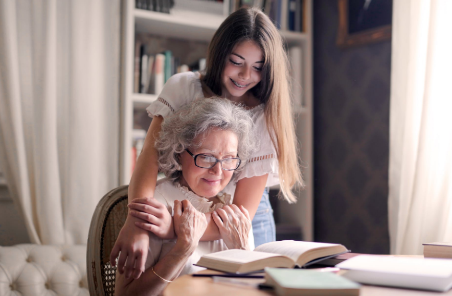 Caring for Elderly Parents? 10 Tips to Keep Them Active & Healthy